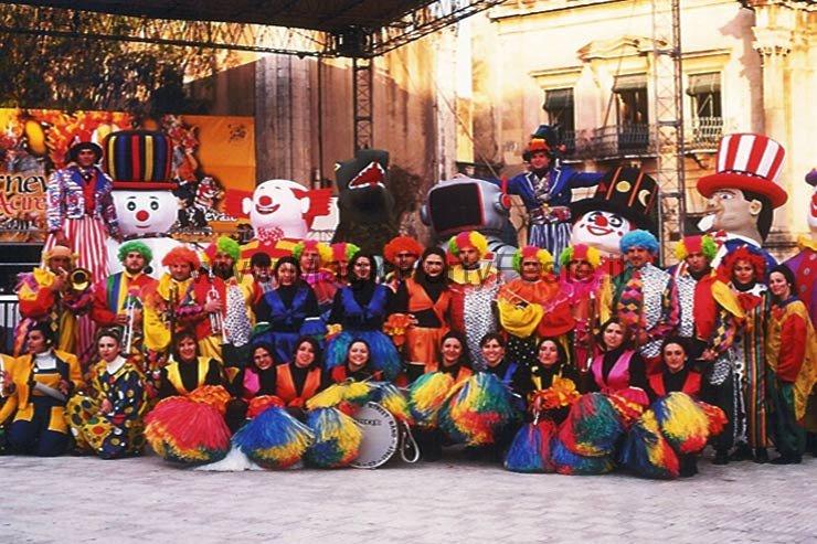 06_sorrisi_e_spettacoli_parate_catania_e_provincia
